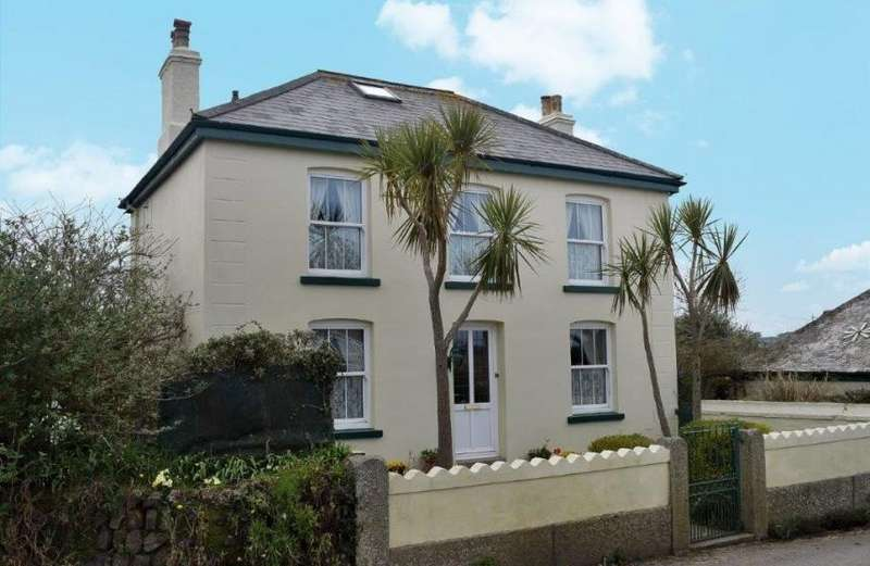 4 Bedrooms Property for sale in School Hill