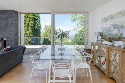 4 Bedrooms Detached House for sale in Old Aust Road, Almondsbury, Bristol