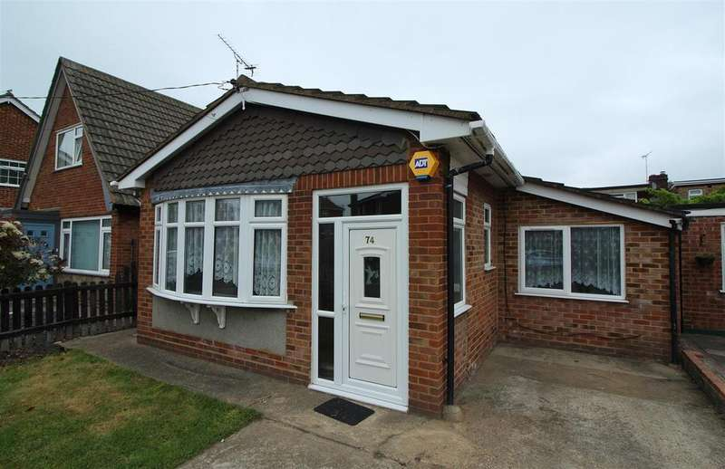 2 Bedrooms Detached Bungalow for rent in Mornington Road, Canvey Island
