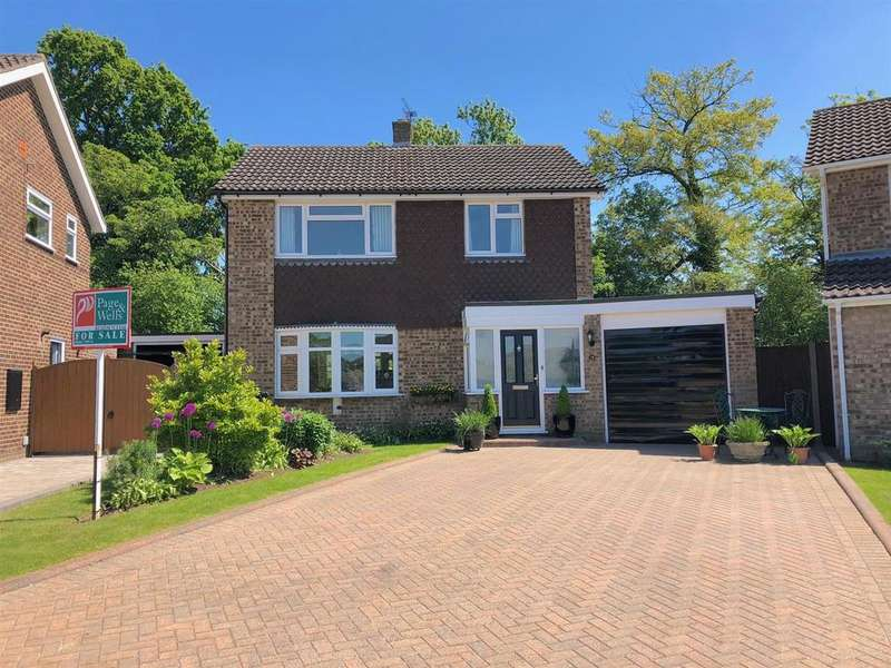 3 Bedrooms Detached House for sale in Mallings Drive, Bearsted, Maidstone