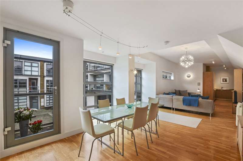 1 Bedroom Flat for sale in Tanners Yard, London, E2