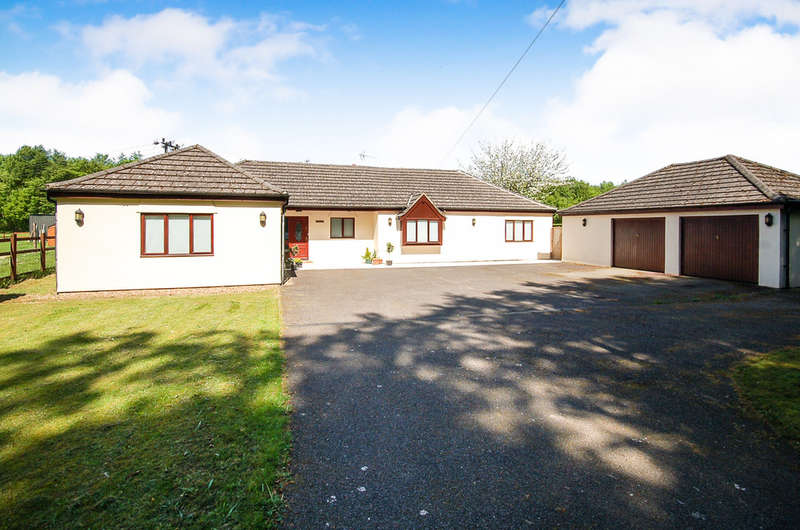 5 Bedrooms Detached Bungalow for sale in Methwold Road, Cranwich
