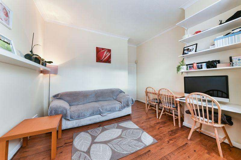 2 Bedrooms Apartment Flat for sale in Baldry Gardens, London