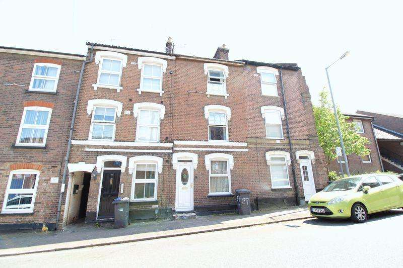 4 Bedrooms Town House for sale in Freehold Four Bedroom Town House on Liverpool Road, Luton
