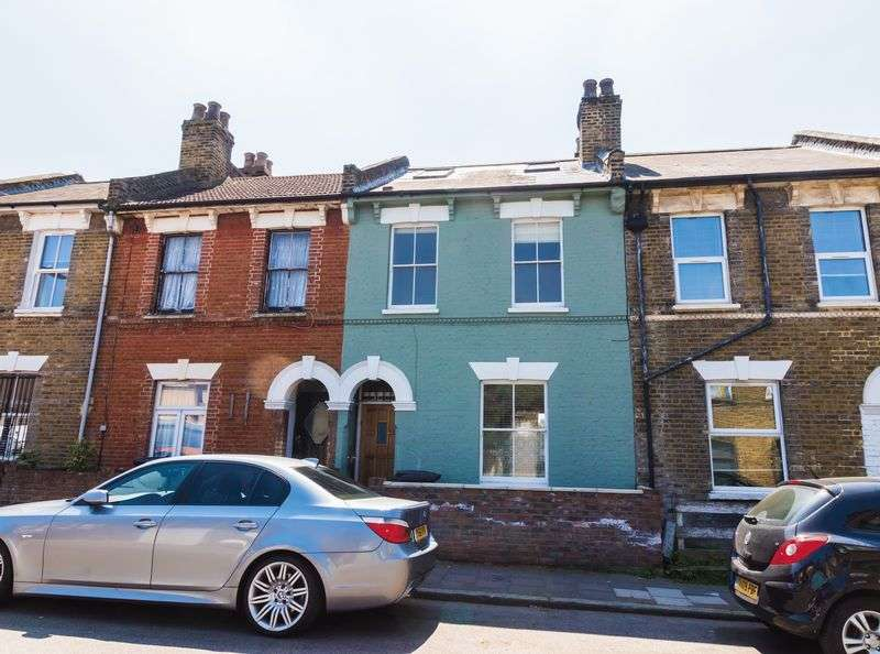5 Bedrooms Property for sale in Belfast Road, London