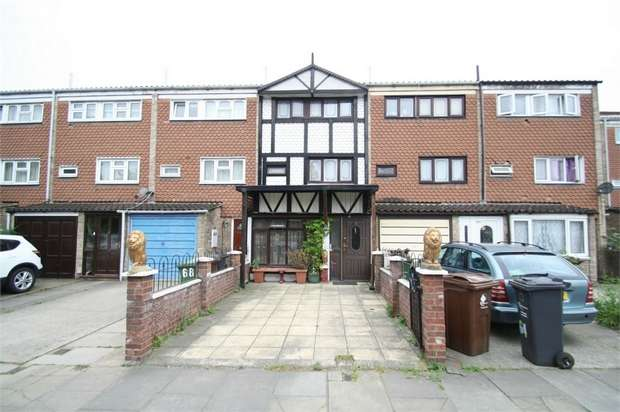 4 Bedrooms Town House for sale in Westbury Road, Barking, Essex