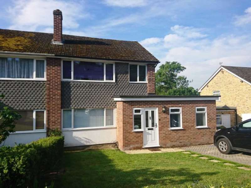 3 Bedrooms Semi Detached House for sale in Orchard Close, Woolhampton
