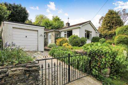 2 Bedrooms Bungalow for sale in Gorran Haven, St Austell, Cornwall