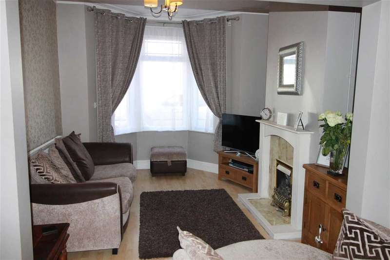 3 Bedrooms Terraced House for sale in Air Balloon Road, St George, St George