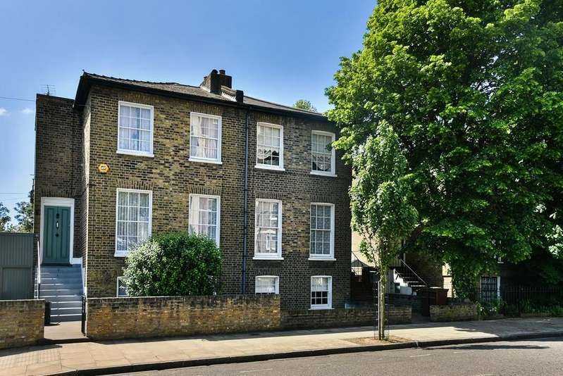 4 Bedrooms Terraced House for sale in Buckingham Road , London N1