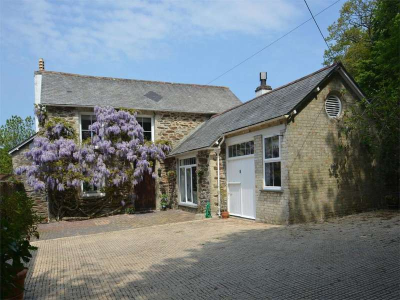 4 Bedrooms Detached House for sale in Nansawsan Mews, Ladock, Nr TRURO, Cornwall