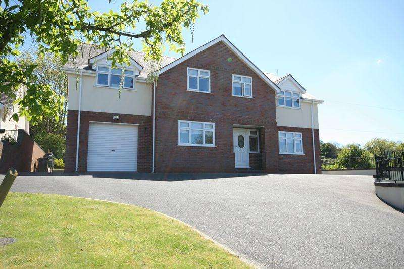 5 Bedrooms Detached House for sale in Pentre Berw, Gaerwen, Anglesey