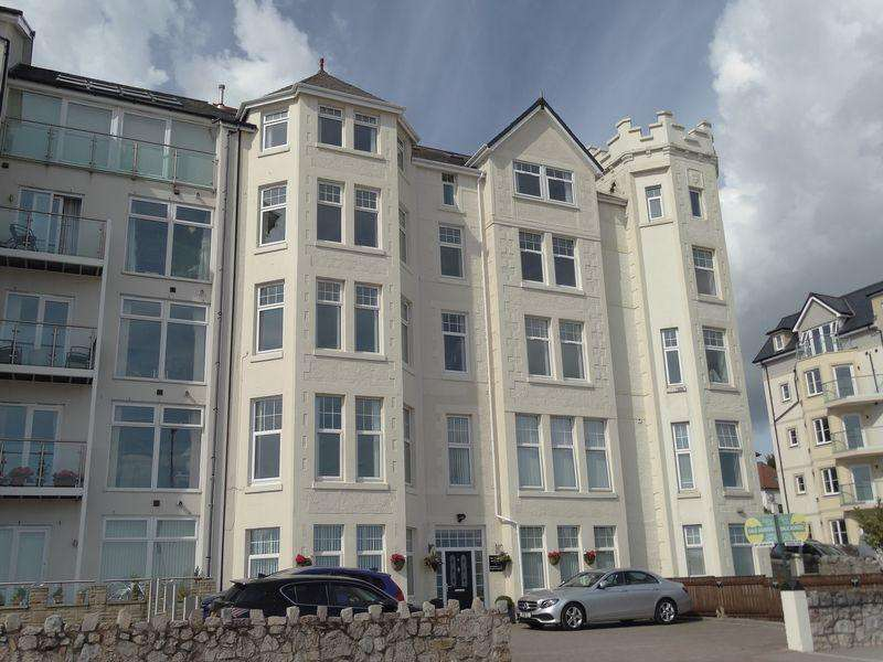 2 Bedrooms Apartment Flat for sale in West Promenade, Colwyn Bay