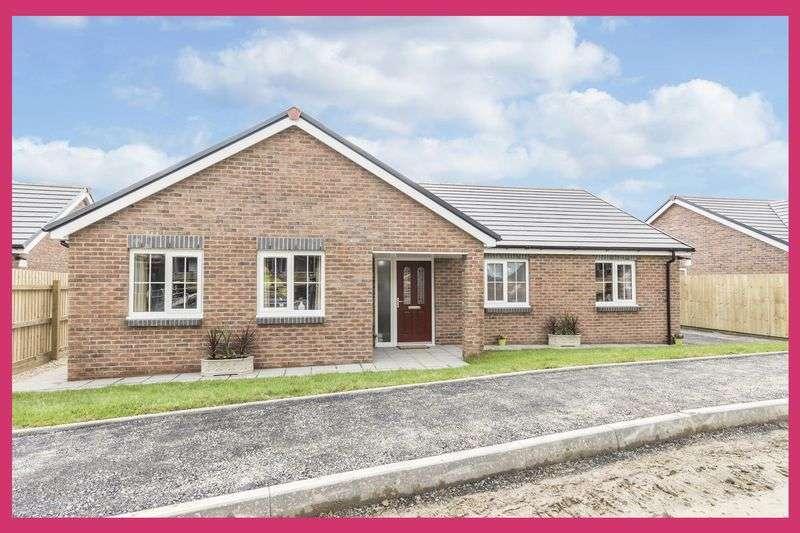 3 Bedrooms Property for sale in Maes Y Llewod, Bancyfelin,
