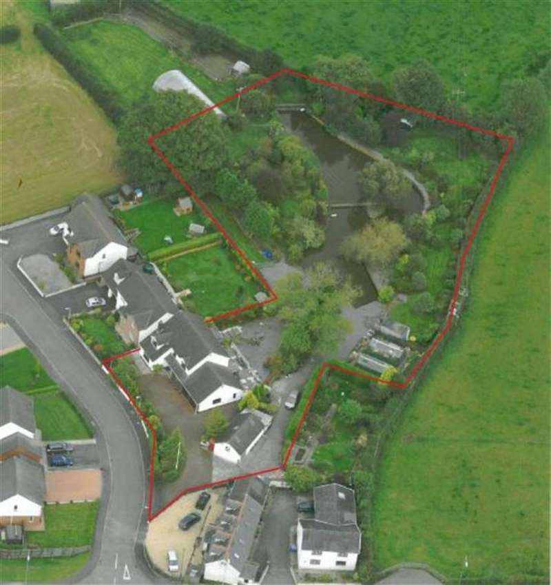 3 Bedrooms Detached House for sale in Dan Y Dderwen, Rhydargaeau, Carmarthen