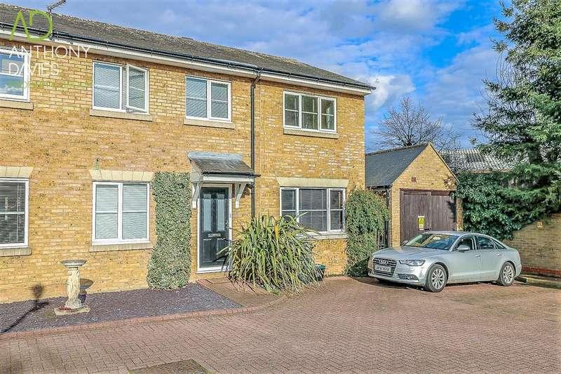 4 Bedrooms End Of Terrace House for sale in The Lynch, Hoddesdon, EN11