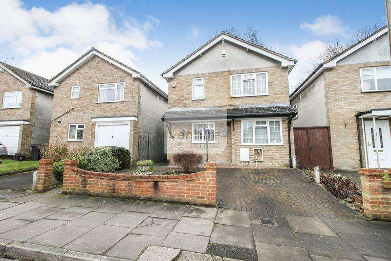 4 Bedrooms Detached House for sale in 4 Bedroom Detached Off Oakley Road