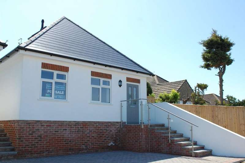 4 Bedrooms Detached Bungalow for sale in Hythe Road, Oakdale