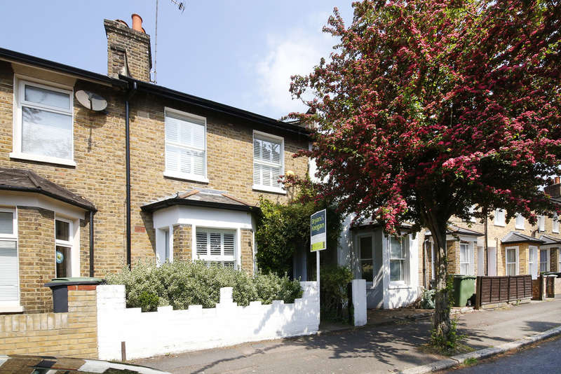 2 Bedrooms Terraced House for sale in Hedgley Street, Lee, SE12