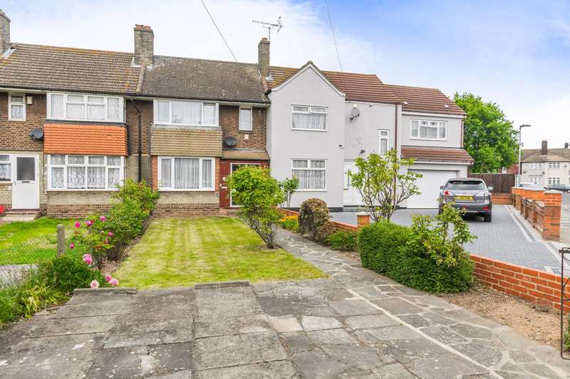 3 Bedrooms House for sale in Levine Gardens, Barking, IG11