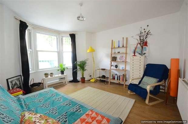 1 Bedroom Flat for sale in Colvestone Crescent, Dalston, E8
