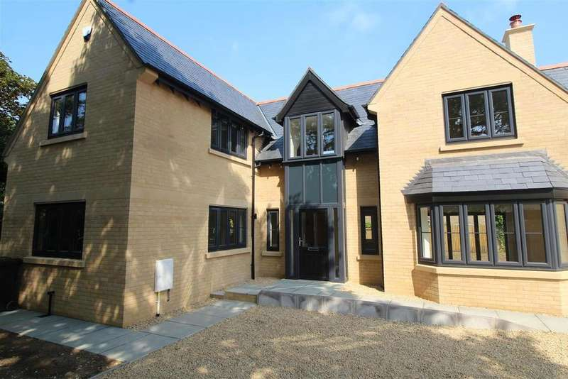 4 Bedrooms Detached House for sale in Eastfield Road, Peterborough