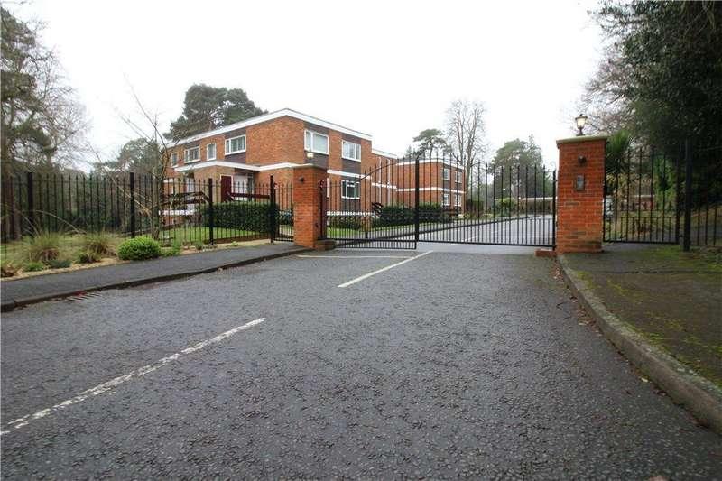 3 Bedrooms Maisonette Flat for sale in Knole Wood, Devenish Road, Ascot, Berkshire, SL5
