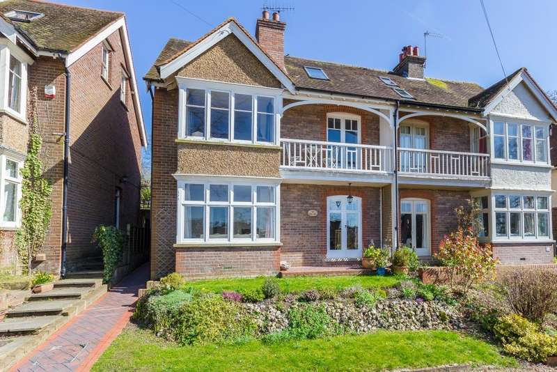 4 Bedrooms Semi Detached House for sale in Hivings Hill, Chesham