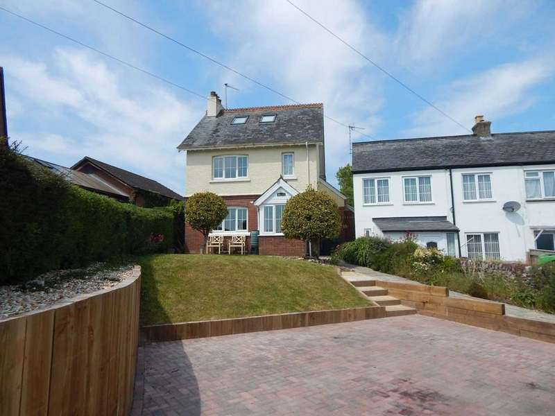 4 Bedrooms Detached House for sale in Colyford Rd, Seaton, Devon