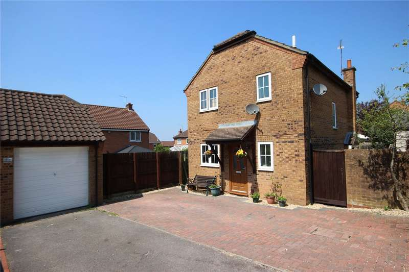 3 Bedrooms Detached House for sale in Huckley Way Bradley Stoke Bristol BS32