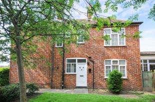2 Bedrooms Detached House for sale in Sydenham Park Road, London