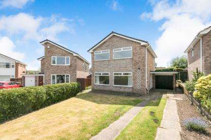 3 Bedrooms Detached House for sale in Berwyn Drive, Marchwiel, Wrexham, Wrecsam, LL13