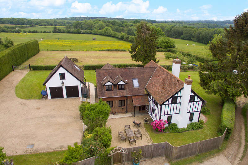 4 Bedrooms Detached House for sale in Holtye Road, East Grinstead