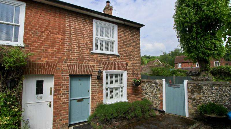 2 Bedrooms Semi Detached House for sale in Church Street, Great Missenden HP16