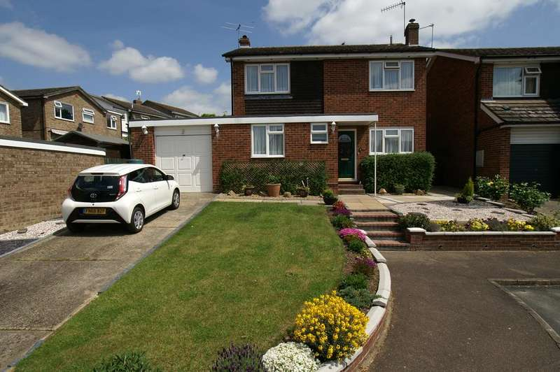 4 Bedrooms Detached House for sale in Friends Field, Bures, Suffolk CO8