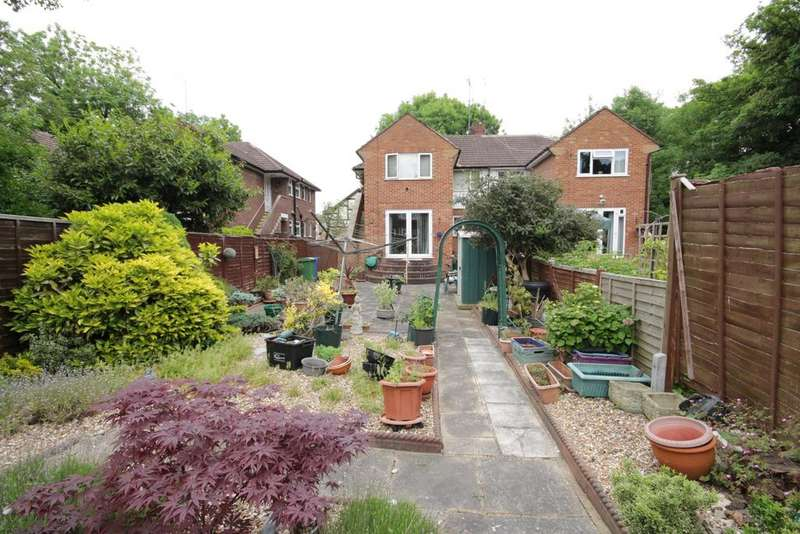 2 Bedrooms Maisonette Flat for sale in Forlease Road, Maidenhead