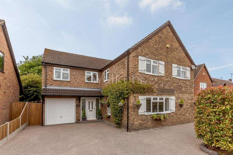 5 Bedrooms Detached House for sale in Carson Road, Billericay