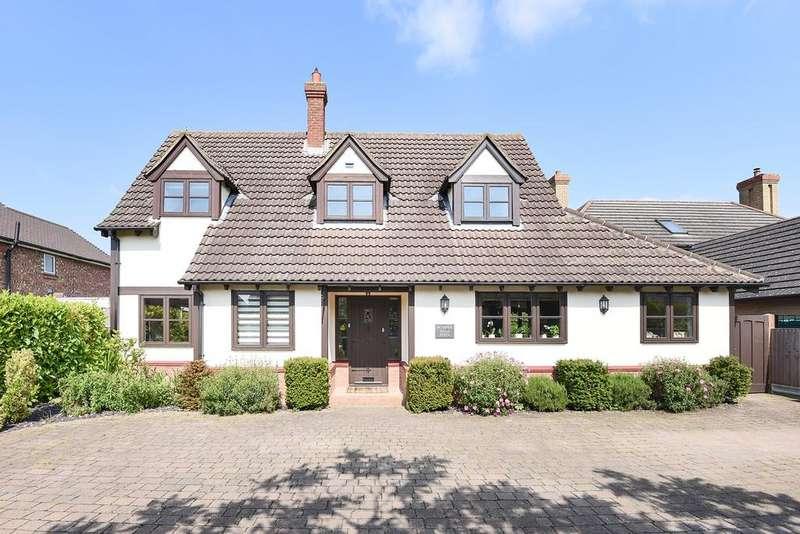 4 Bedrooms Detached House for sale in Royston Road, LITLINGTON, SG8