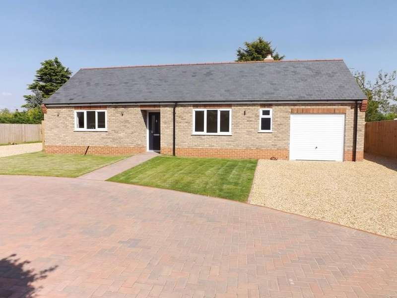 2 Bedrooms Detached Bungalow for sale in Edinburgh Walk, Holbeach