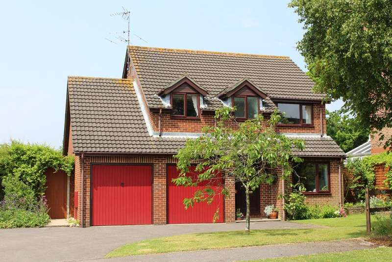 4 Bedrooms Detached House for sale in ANTHILL CLOSE, DENMEAD