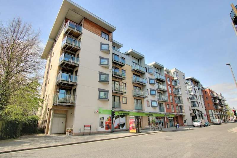 Studio Flat for sale in Castle Place, 117 High Street, Southampton