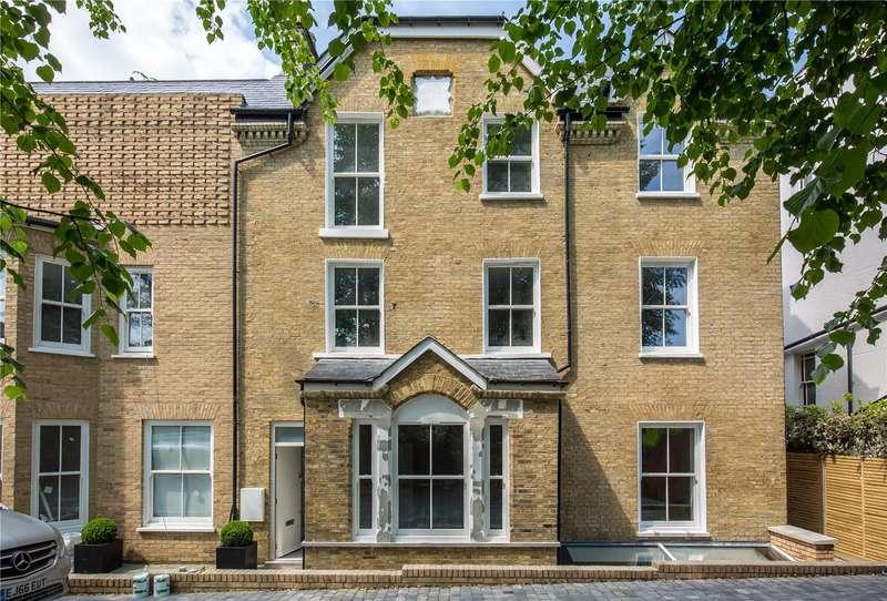 4 Bedrooms Terraced House for sale in Eastern Road, London, N2
