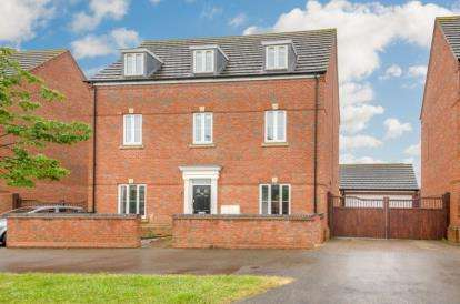 5 Bedrooms Detached House for sale in Ashmead Road, Bedford, Bedfordshire