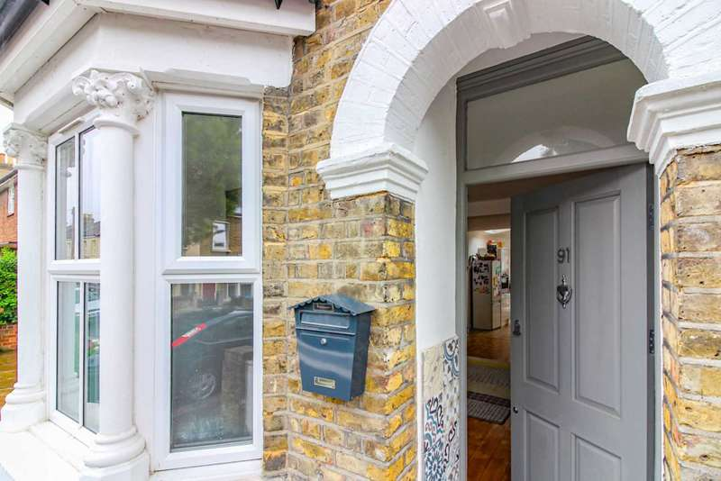 3 Bedrooms End Of Terrace House for sale in Downsell Road, Stratford