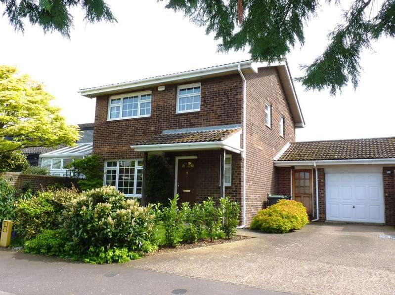 4 Bedrooms Detached House for sale in All Hallows, Sandy SG19