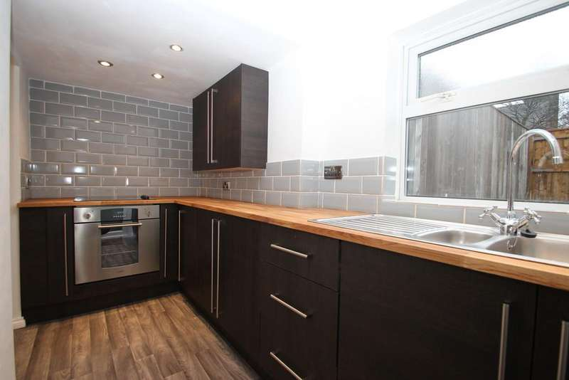 2 Bedrooms Terraced House for sale in Roger Street, Blackhill