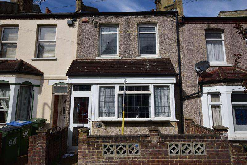 3 Bedrooms Terraced House for sale in Roydene Road, Plumstead, SE18 1QA