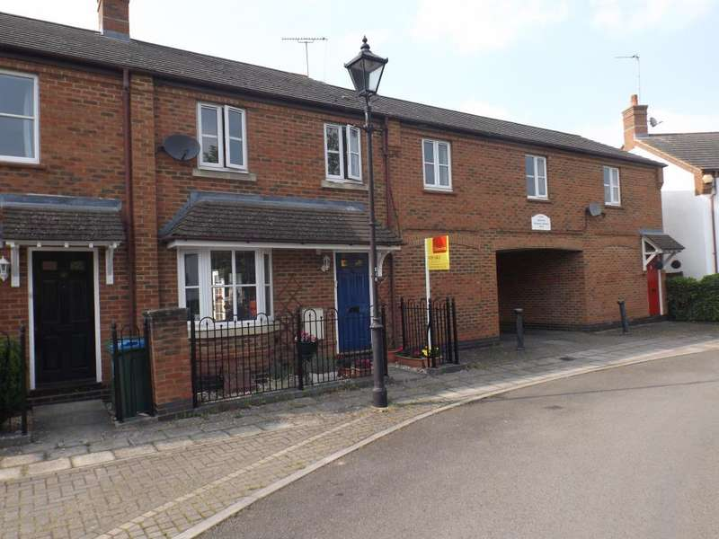 3 Bedrooms House for sale in Woodford Close, Aylesbury, HP19