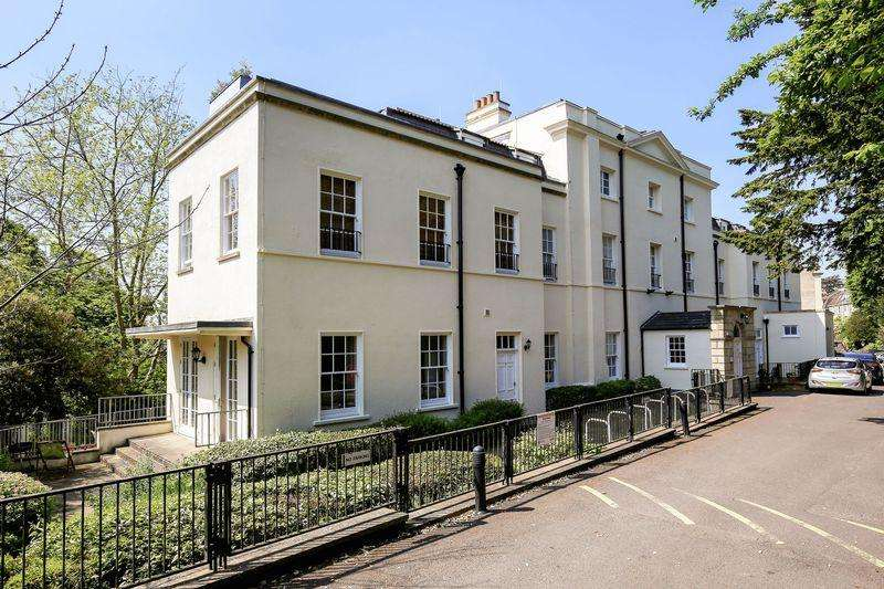 2 Bedrooms Flat for sale in Cornwallis Grove, Bristol