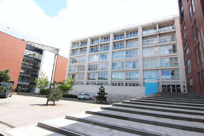 2 Bedrooms Flat for sale in Skypark Road, Bristol